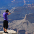 Подростков ожидает увлекательная фотосессия в Большом Каньоне